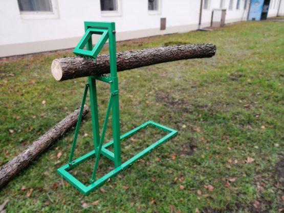 Samosvorná koza na dřevo