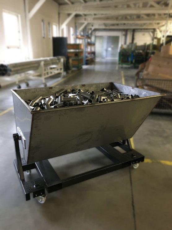 Výklopný mobilní vozík/kontejner